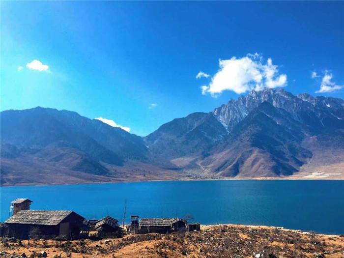 冶勒湖旅行